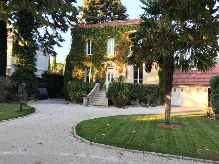 Montelimar - Front Garden and Garage