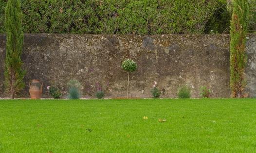 Montelimar - Garden Wall